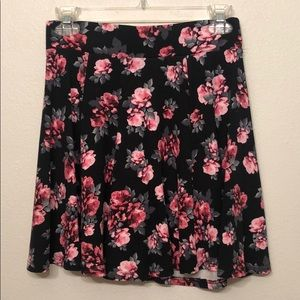 Floral skater mini skirt. Great used condition